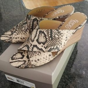Franco Sarto 8M wedge sandals snake print
